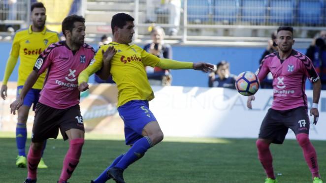 El Tenerife derrota al Cadiz