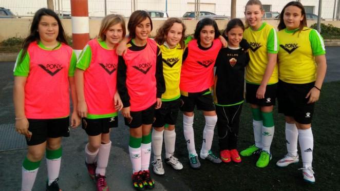 Ocho jugadoras del femenino con la selecci n valenciana for Federacion valenciana de futbol