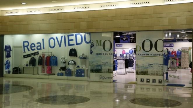 real Español besando cerca de Oviedo