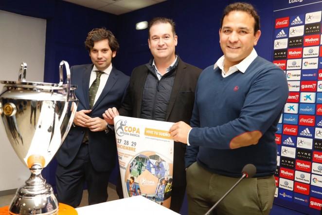 Rergis, David López y Francisco Fernández, durante la presentación (Foto: Real Oviedo).