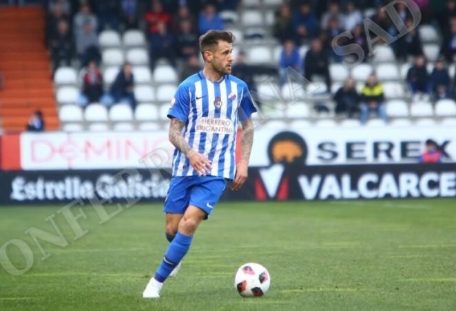 La Ponferradina cede a Jon García al Racing Club de Ferrol 2