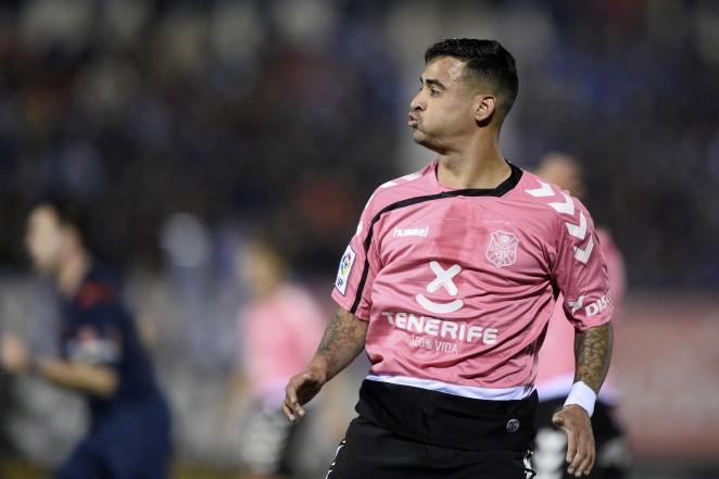 Striker Nano shows off the Tenerife away colours