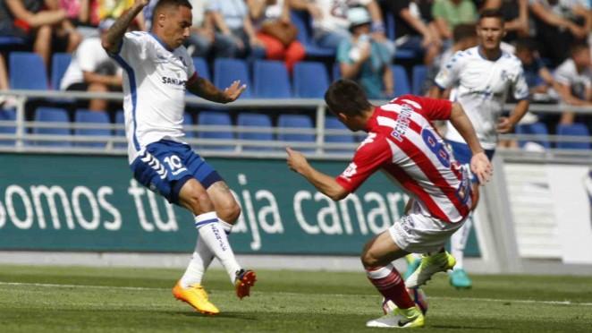 Un gran CD Tenerife iguala ante el Girona FC (3-3)