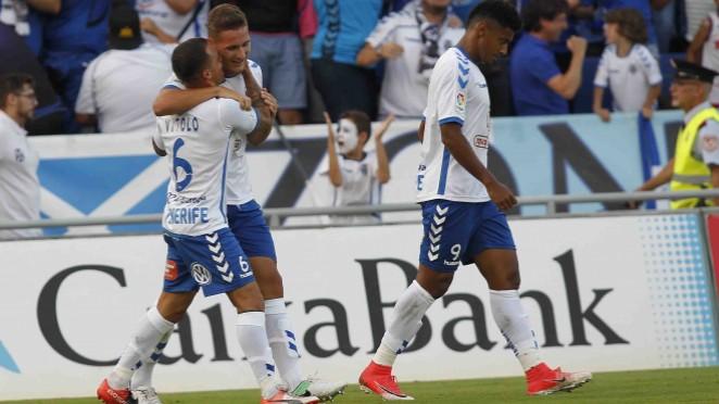 El CD Tenerife completa una gran actuación, que le permite afrontar el encuentro de vuelta del 'play off' final por el ascenso con ventaja