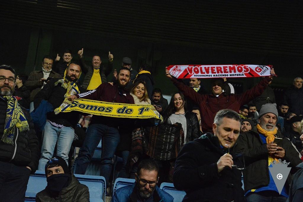 Aficionados de Cádiz y Granada juntos en el Carranza (Foto: CCF).