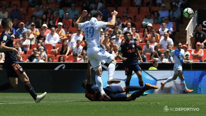 Con buen fútbol y ocasiones, el Dépor puso punto final a la temporada en Mestalla.
