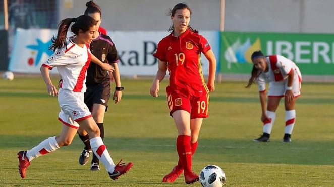 Nuria Torres, con la selección española (Foto: RCD).