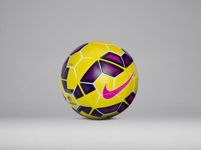 La Liga BBVA y Adelante estrenan el balón de invierno Nike Ordem Hi ... 3c775e8ae0438