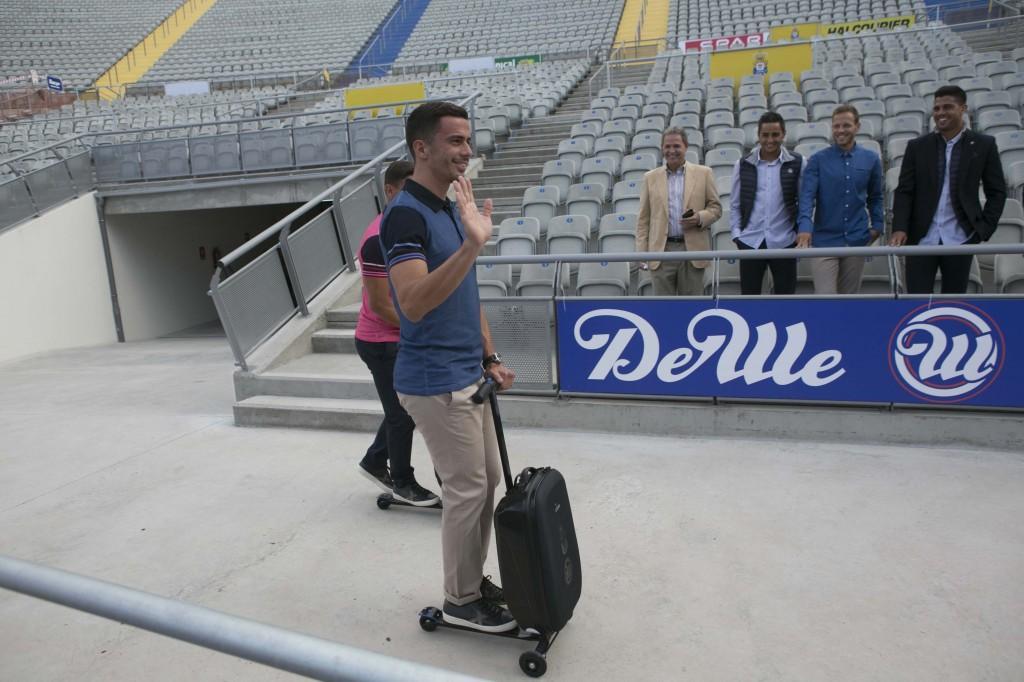 aff66da65 Las Palmas presenta su ropa de viaje y maleta para los ...