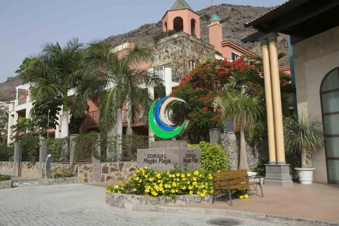 Cordial Mogan Playa Pre Season Team Hotel Of The Ud Las Palmas