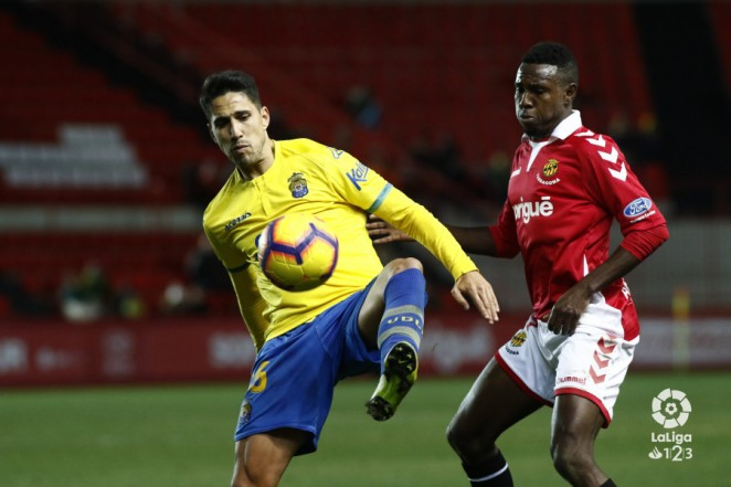 Las Palmas come away with just a single point (0-0)  87eebdd863c57