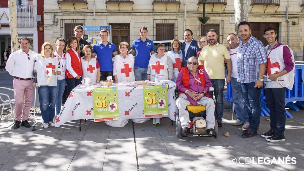El C.D. Leganés visitó a la Cruz Roja para mostrar su apoyo en el ...