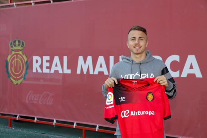 El Real Mallorca ficha a Angeliño | Mallorca - Web Oficial