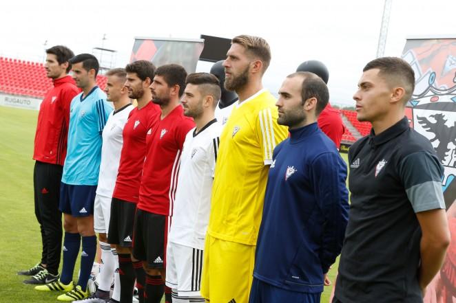 Presentadas las equipaciones 201718 del Club Deportivo