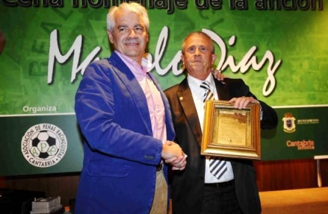 Pernía entrega a Díaz el Acta Fundacional