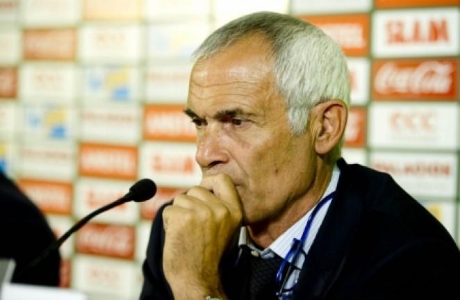 El nuevo entrenador, pensativo