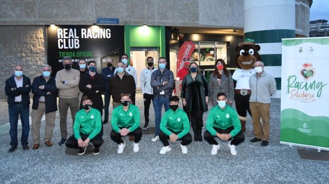 Inaugurada con éxito la recogida de alimentos y juguetes organizada por el Racing en su Tienda Oficial