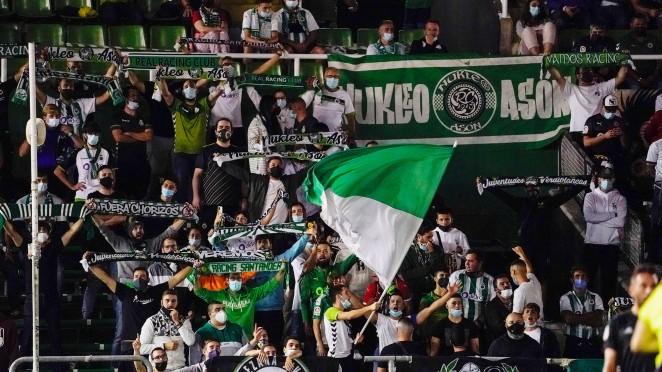 La compra de una entrada para el Racing- Deportivo lleva aparejada el regalo de otra para la Copa Federación