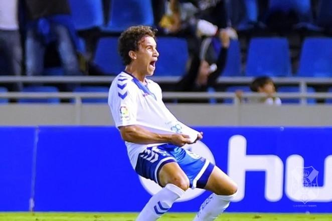 El Tenerife mantiene la cláusula de 5 millones para que Luis Milla salga del club